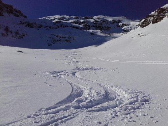 Les Monts d'Olmes - soleil et bonne neige - © francisarcens