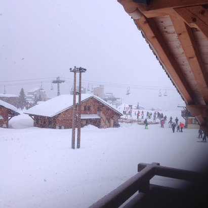 Avoriaz - Snowing heavily, lifts closed due to storms and high winds. Looking very beautiful, hoping for winds to drop and lifts to open later............ - © Helen's iPad