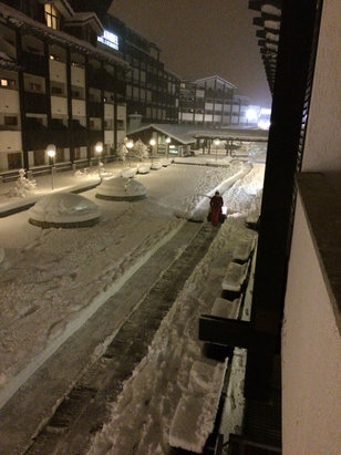 La Thuile - At least 50cm today - heavy snow for 12 hours straight! - © Marty Magoo's iPhone