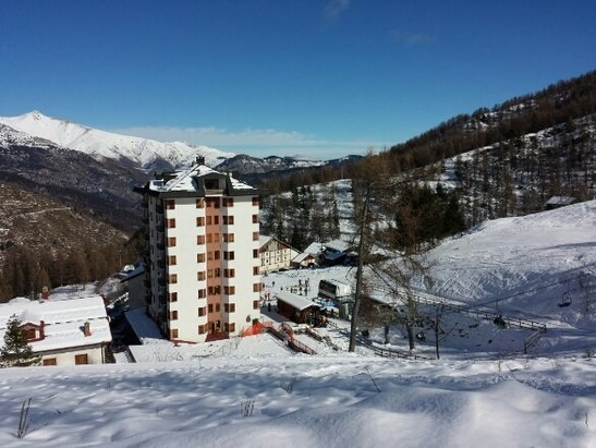 Monesi di Triora - ottima sciata per l'inizio della  stagione sciistica a monesi!vento in quota ma temperatura ottimale! - © federico serra