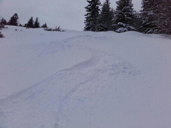 Les Monts d'Olmes - enfin de la neige  fraîche  . . - © francisarcens
