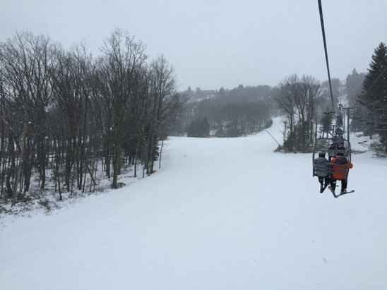 Camelback Mountain Resort - [! skireport_firsthandpost_pagetitle ] - © iPhone (2)