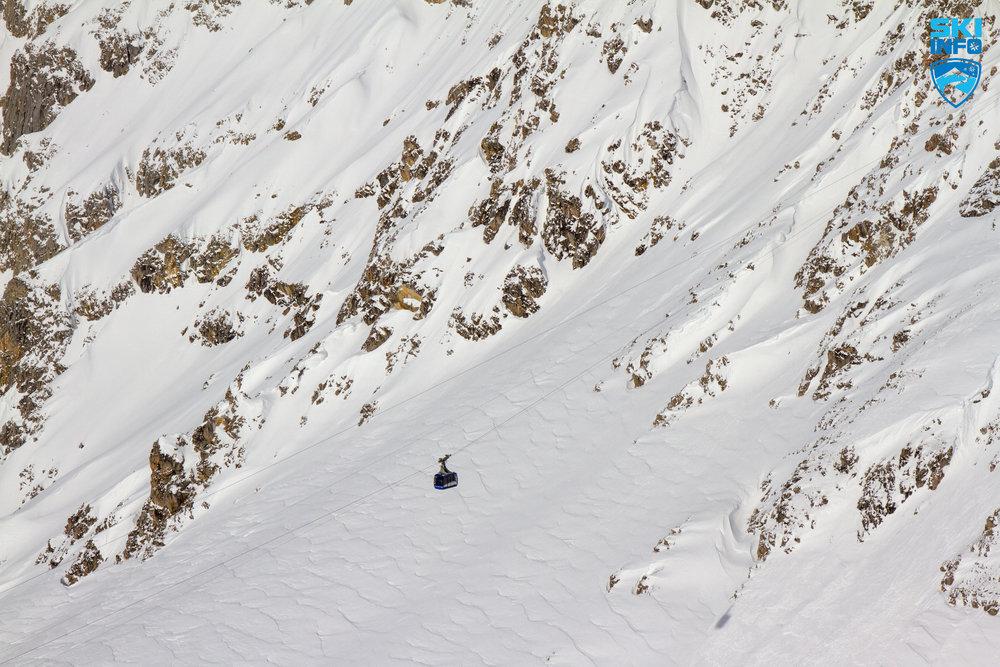 Die Vallugabahn ist eine der spektakulärsten Gondeln in den Alpen - © Skiinfo