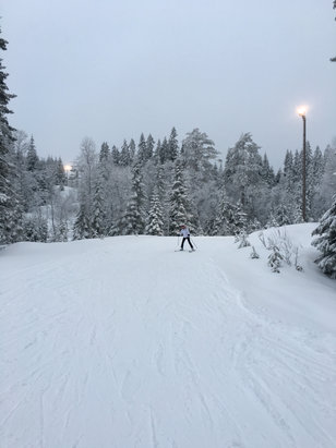 Oslo Vinterpark - Tryvann - Heavy snow but good fun in Wyller today
