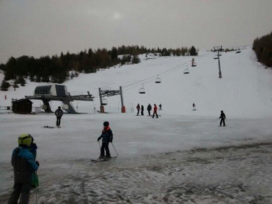 Superdevoluy / La Joue du Loup - Plus beaucoup de neige en bas de la station. Neige molle/humide. Pluie attendue pour l'après-midi. - © dupuy.olivier