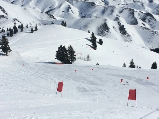 Schweitzer - Super G training today.  The mountain is buried.  Awesome. - © gendashwhy