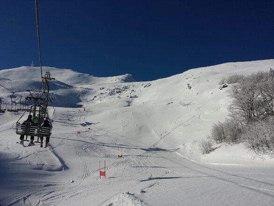 Cerreto Laghi - Neve, sole e tanta gente!perfetto!  - © federico serra