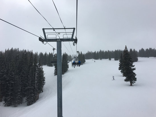 Aspen / Snowmass - Great day at Snowmass. Conditions very good mid mountain and up. Bottom a bit choppy and icey in sports but still plenty of fun all over. Even had some fresh snow.  - © Richard's iPhone