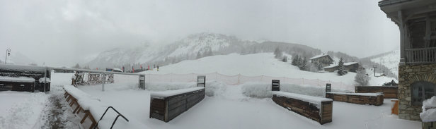 Val d'Isère - 24 hrs of snow #powder #powder 300mm of fresh snow #awesome  - © iPhone
