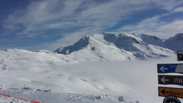 La Rosière 1850 - Lots of powder and beautiful blue skies above the cloud.  - © mariannfarnsworth