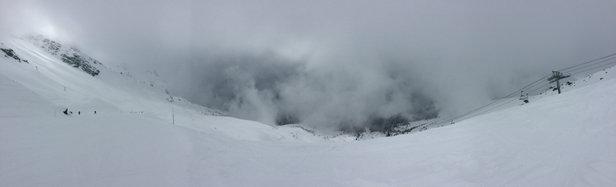 Sainte Foy Tarentaise - Beau temps cette apres midi. Enfin... Apres un jour blanc. Demain neige.......... - © iPhone Air France