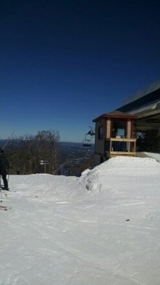 Wachusett Mountain Ski Area - Nice bluebird day, temps in the mid 20's, and fairly good conditions for early March, make sure ur skis and board have a nice edge to enjoy the remaining snow cover - © willp511