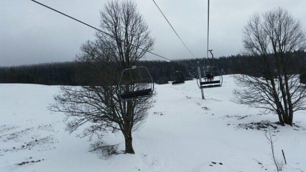 Les Rousses -  beaucoup de vent mais peu de skieurs sur les pistes... - © bilouk