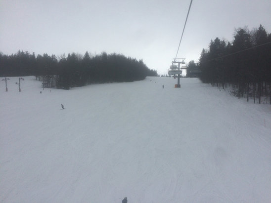 Mariborsko Pohorje - Resort is open, still good skiing to had at the top and Areh (bus ride over or you can ski) - © Alex