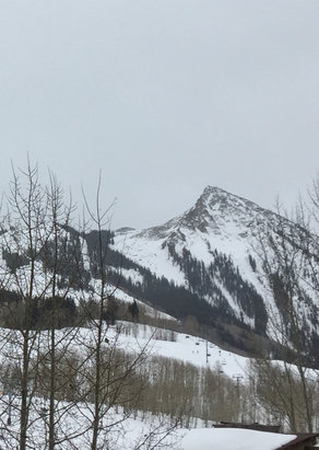 Crested Butte Mountain Resort - Great skiing yesterday, fresh powder and great blue trails groomed  - © Lisa phone