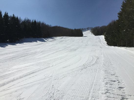 Schia Monte Caio - Sono andato martedì 15 , piste tirate perfettamente da parte a parte , grandi sciate in conduzione .  - © iPhone di Igor
