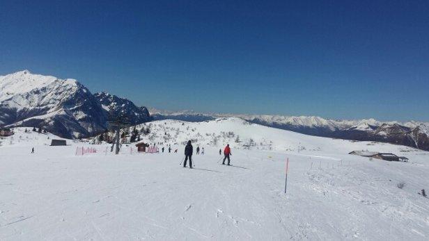 Piani di Bobbio e  Valtorta - Giornata stupenda, neve non proprio perfetta per il troppo caldo - © Stefano