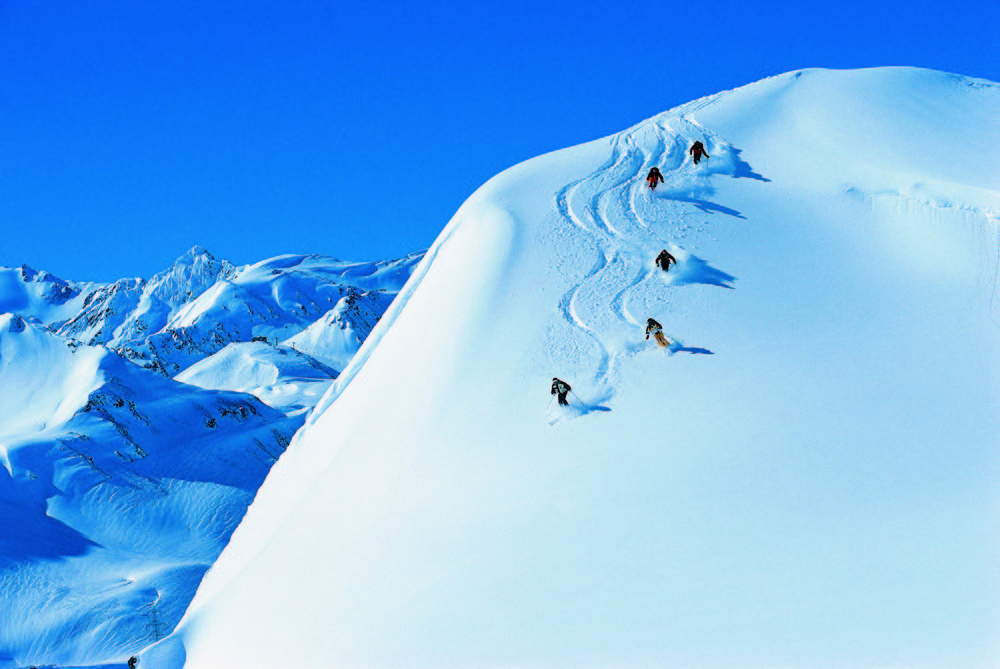Powder skiing in St. Anton - © St. Anton Tourismus