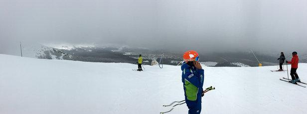 Campo Felice - Rocca di Cambio - Neve ottima in quota, un po' meno a valle. Impianti praticamente tutti aperti. Poca gente (oggi...domani credo sarà un'altra storia!). - © Angelomonopoli
