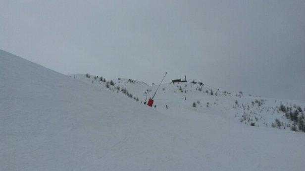 Les Orres - hier neige excellente il a neigé en fin d'après midi environ 2cm et aujourd'hui vers 15h petite neige condition de ski tres bonne - © christophespecq
