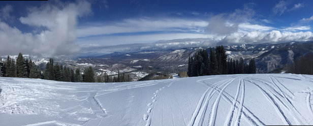 Aspen / Snowmass - great snow on Ajax, dry and soft.  - © Miami iPhone