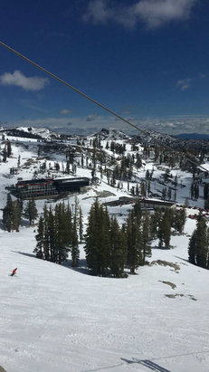 Squaw Valley - Alpine Meadows - Squaw was great yesterday, can't wait for today! - © Charles's iPhone