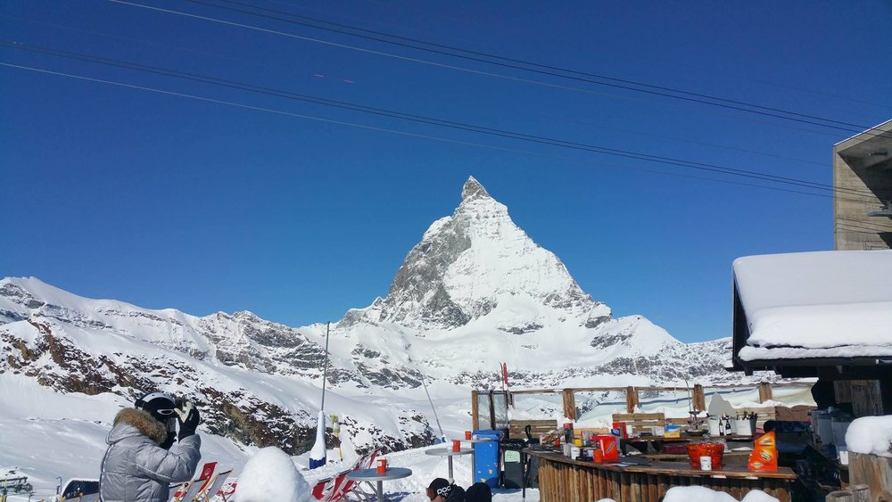 Enjoy lunch right next to the magnificent Matterhorn in Cervinia - © Breuil-Cervinia Valtournanche Facebook