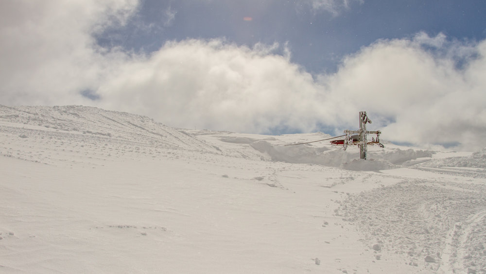 Det er godt med snø på Fonna, og alt tyder på at det kommer til å bli en strålende sesong på breen.  - © Jan Petter Svendal