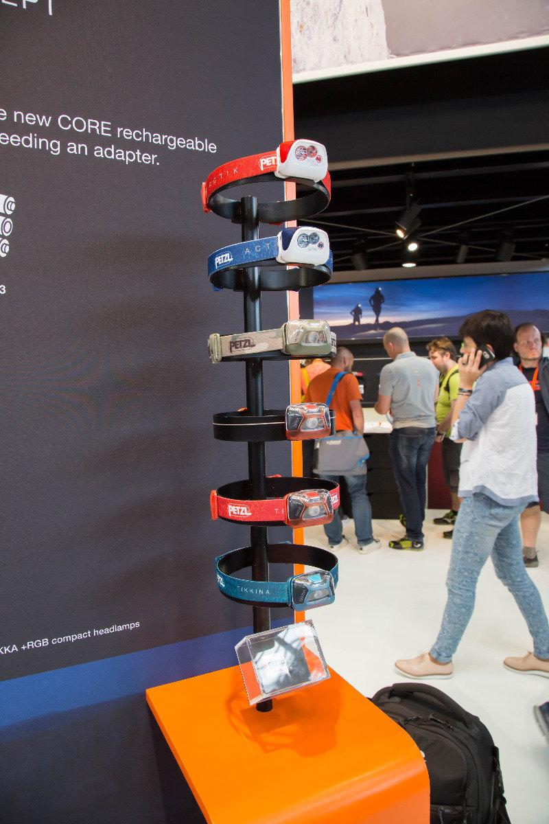 Petzl bringt einen Akku auf den Markt, der mit zahlreichen der günstigen Stirnlampenmodelle kompatibel ist - ©Bergleben.de