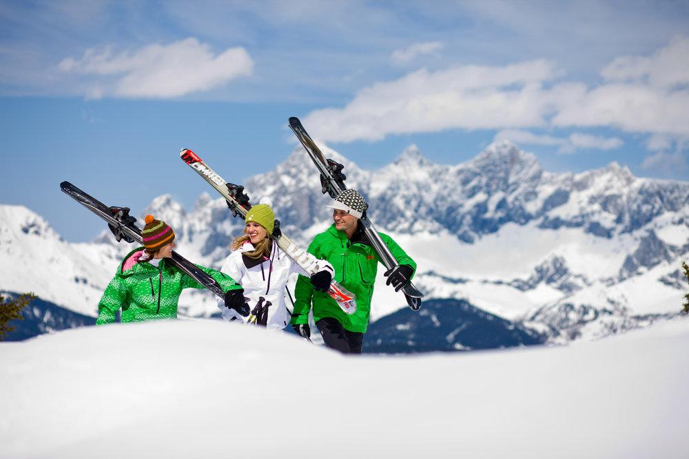 Drei Skifahrer in Schladming-Dachstein, Österreich. Schladming-Dachstein, © Schladming-Dachstein / ikarus - © © Schladming-Dachstein / ikarus