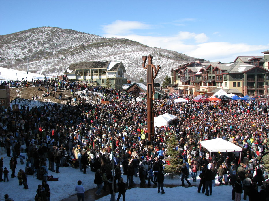 Crowd at Spring Gruv, The Canyons, UT