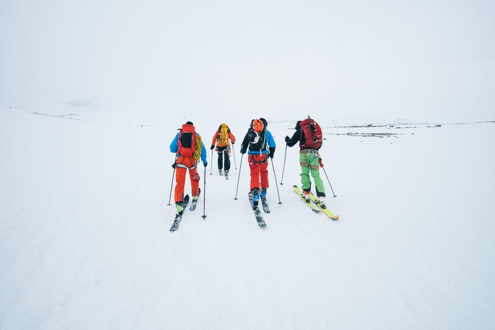 Det er viktig å ha navigeringsutstyr når man kun ser hvitt. - ©Tor Berge - Norexplore