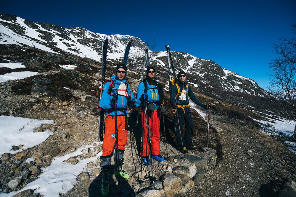 Tre blide gutter klar for tur. Fra venstre Bjørn Sørland, Sindre Ege og William Evje.  - ©Tor Berge - Norexplore