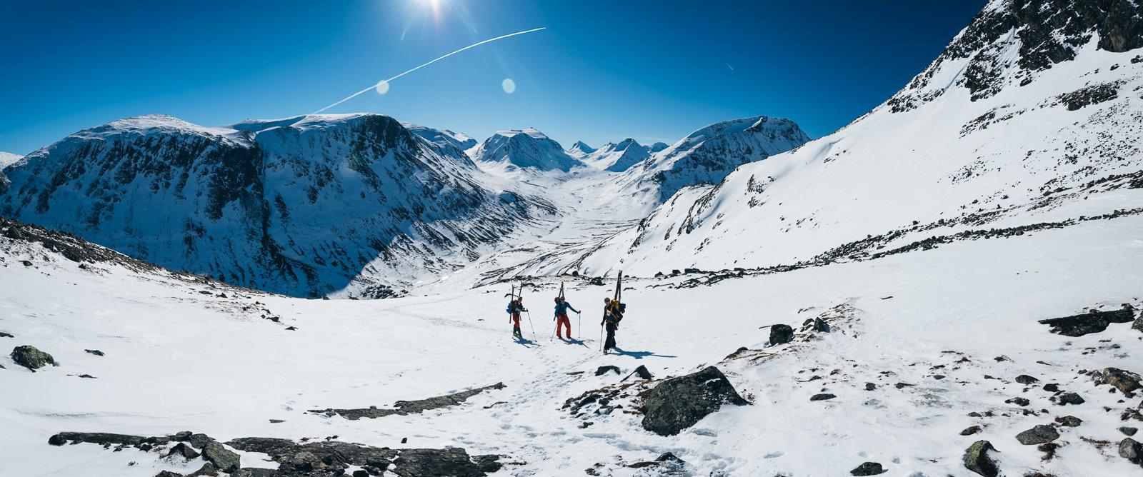 Ikke mye å si på verken vær, utsikt eller forhold på det som skulle bli siste dagen på Høgruta for vår del. Nydelig dag og perfekte forhold for å nå toppen av Norge.  - ©Tor Berge - Norexplore