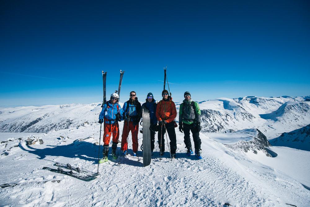En god blanding av oss nordmenn, en fransk og en engelsk toppturist. God stemning, og vi fikk oss en lang prat med likesinnede!  - ©Tor Berge - Norexplore
