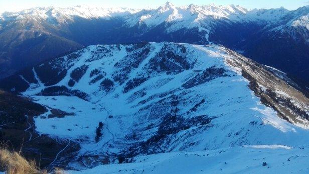 Mayrhofen - Gestern Kaiserwetter und top Pistenverhältnisse, obwohl es technisch erzeugter Schnee ist. - © Flocki