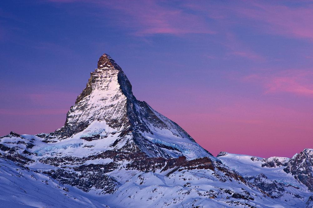 Auch ein Matterhorn-Rundflug kann als Reisebaustein gebucht werden. - © STST STTP