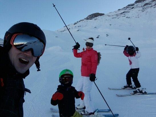 Val Cenis - superbe station, nous venons de séjourner 4 jours sur Val cenis le haut et ç'etait du bonheur!remontées mécaniques au top, bon travail sur les pistes et pas cher en prime. - © david