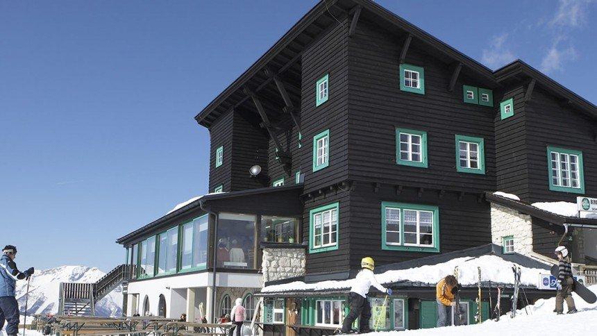 Der Berggasthof im Skigebiet Mariazeller Bürgeralpe - © Mariazeller Bürgeralpe