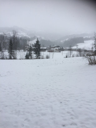 Westendorf - SkiWelt - Blizzard like conditions now with snow forecast for next 24 hrs.  - © Sean's 5s