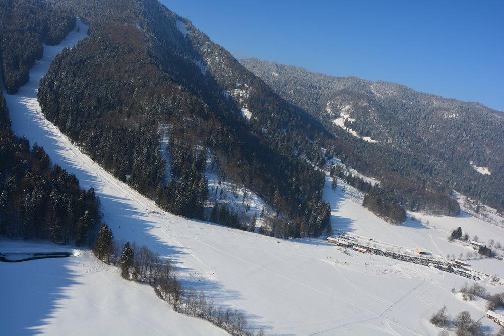 Die Pisten des Skigebiets Hirschberglifte - © Hirschberglifte Kreuth