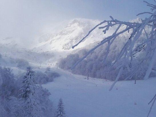 Les Monts d'Olmes - temps très  froid . .mais neige excellente  - © francisarcens