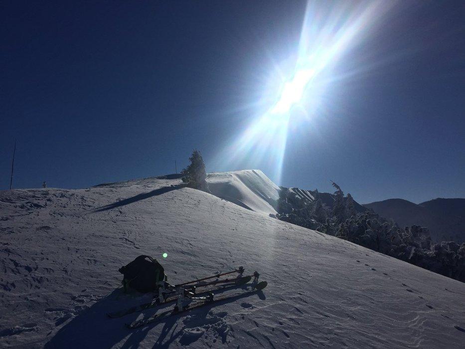 Slnečná a modrá obloha vo Vrátnej, 19.1.2017 - © Vrátna facebook