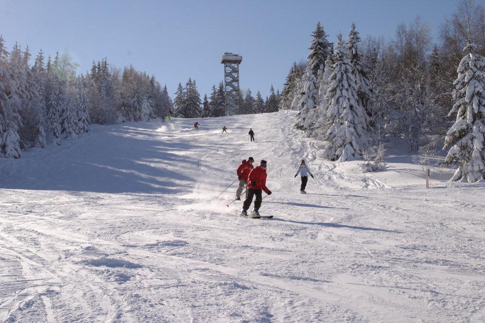 Die Abfahrt im Skigebiet Waldkirchen-Oberfrauenwald - © Tourismusbüro Waldkirchen