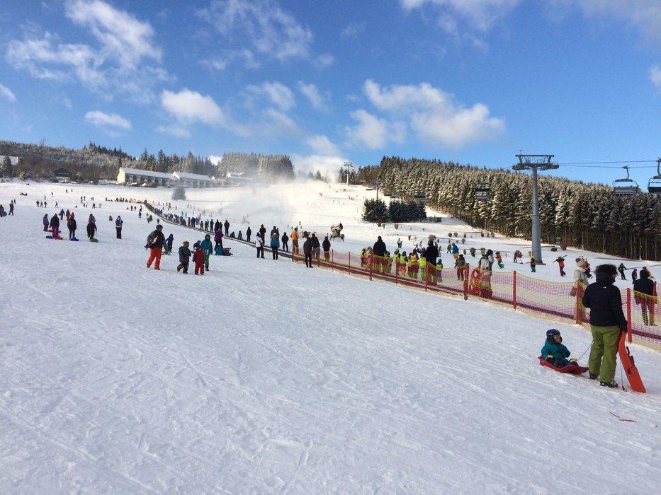 Ein perfektes Wintersport-Wochenende steht bevor - © Skigebiet Willingen