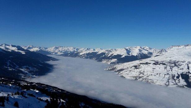 Les Arcs - Un temps magnifique, des pistes tout à fait correctes mais attention aux éraflures sur les skis dès que l'on sort un peu ! - © rmangeonjean