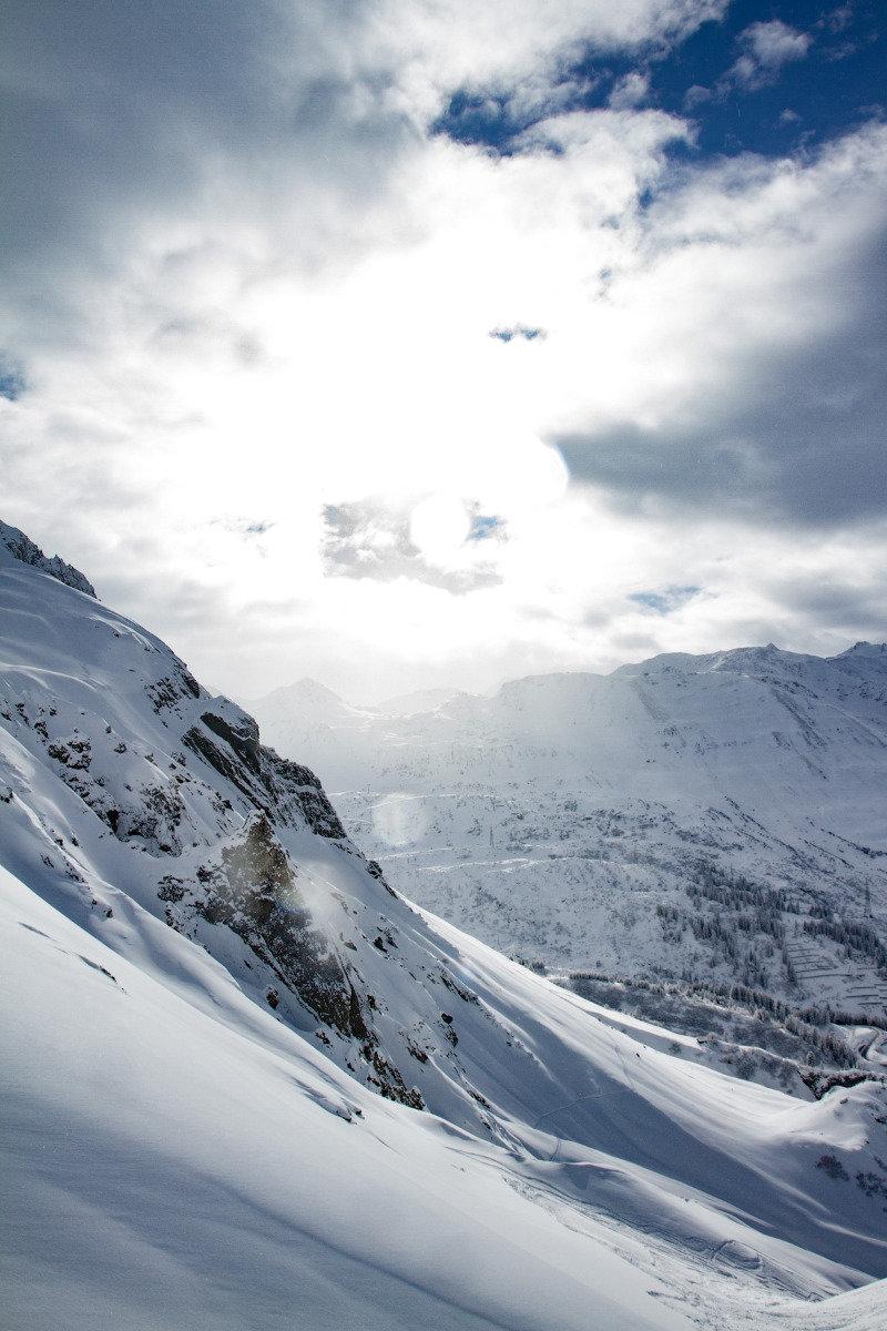 Freerider am Arlberg - hier wird es in den kommenden Tagen wieder extrem viel Neuschnee geben - © Skiinfo