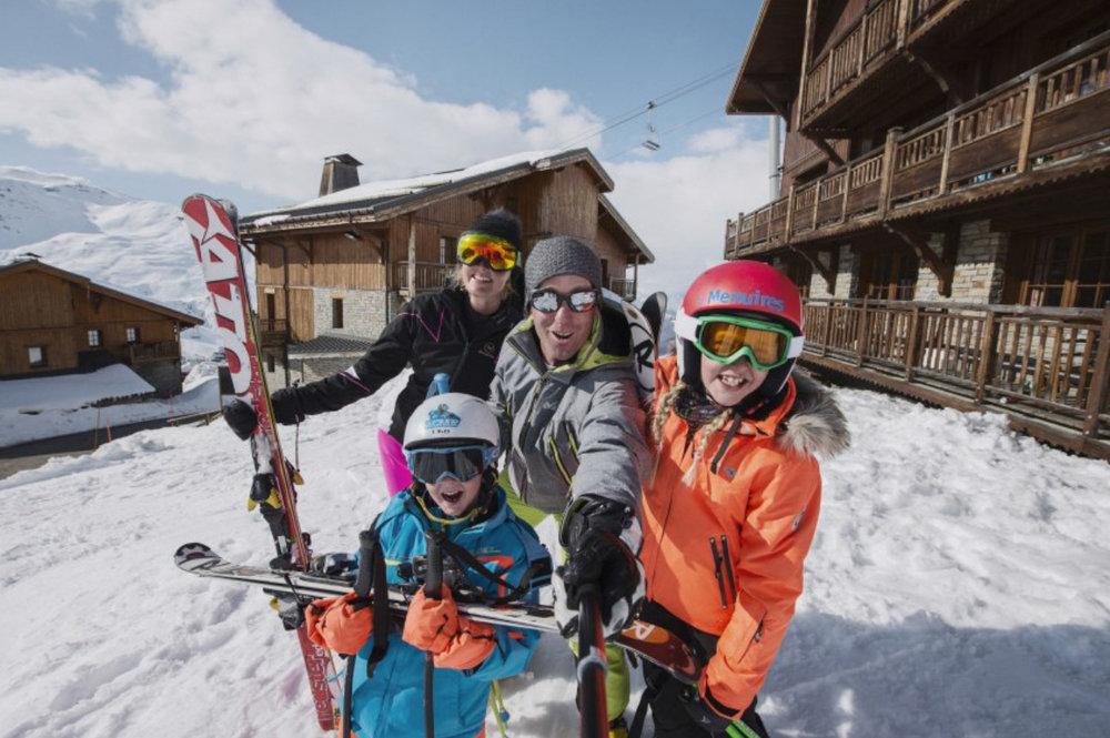 La neige a fait son entrée aux Menuires, l'occasion de tester toutes les nouveautés de l'hiver, sans modération... - © OT les Menuires