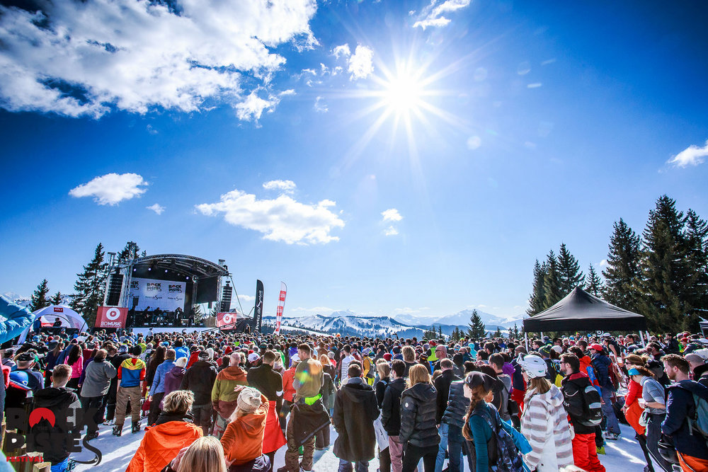 Scene of the Les Gets - Morzine concert of Rock The Pistes Festival ! - © Les Gets - Les Portes du Soleil