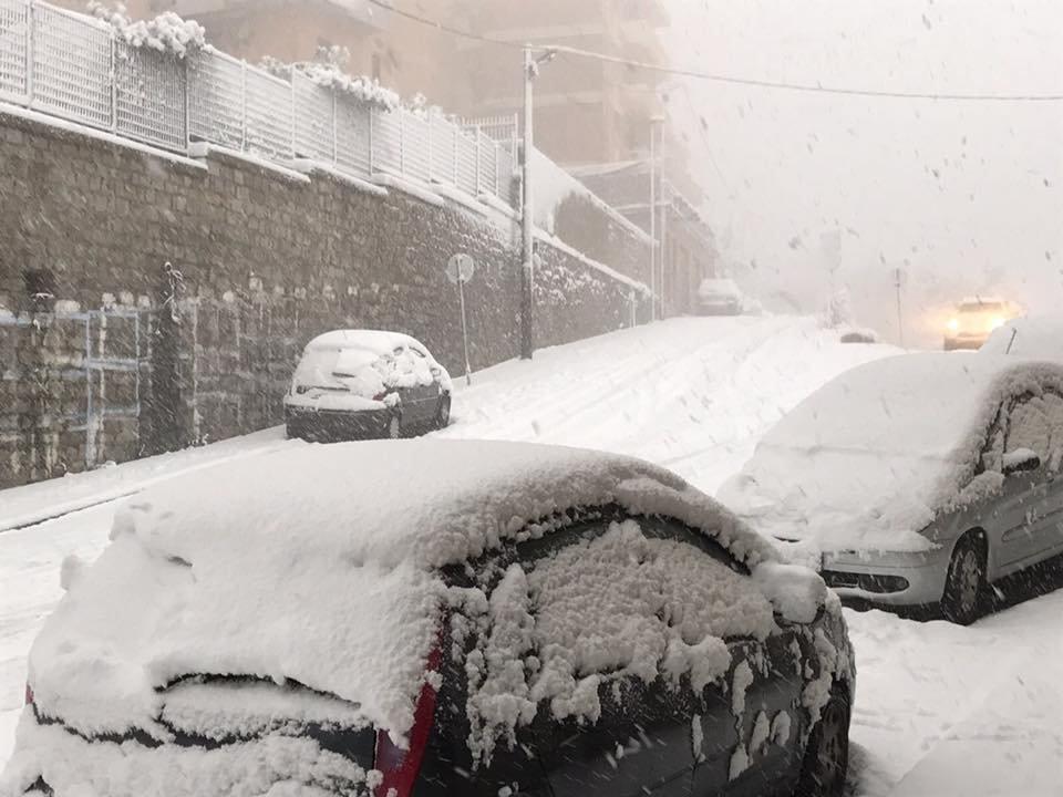 Neve fresca in Sardegna! Città: Nuoro - © Sardegna Live Facebook